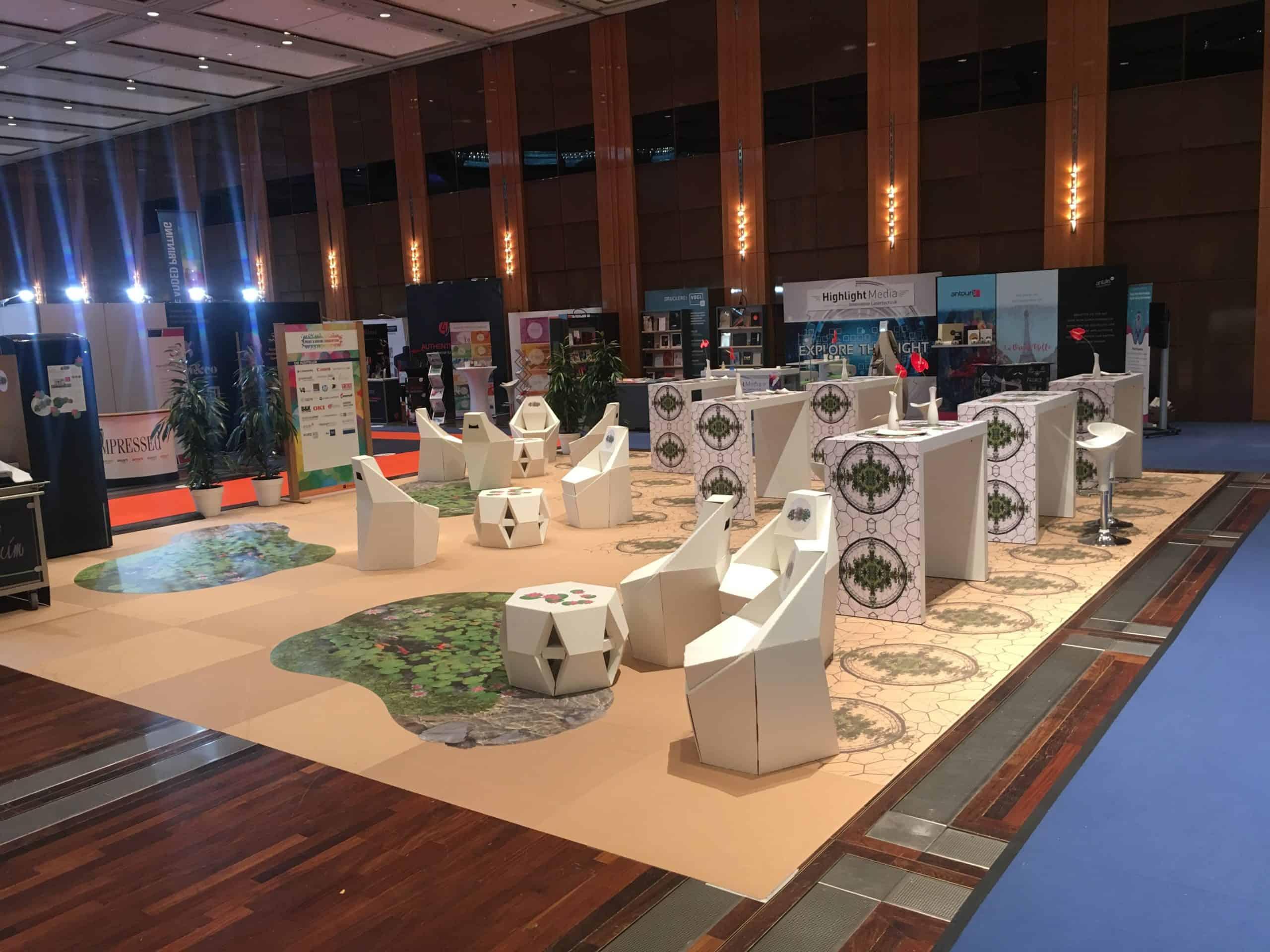 Paprfloor exhibition